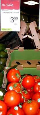 2012naomi tomatos 015 - Copy.JPG